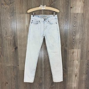 American Eagle Light Wash Jeans Sz 26 x 28